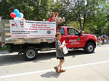 Fourth of July Santa Run Parade Float